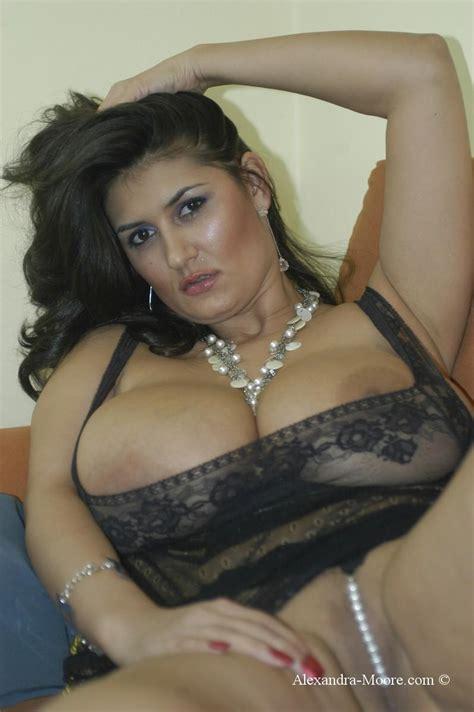 Layla moores shower set girls of desire jpg 798x1200